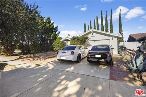 Photo of 9430 GLADE Avenue, Chatsworth, CA 91311 (MLS # 19471148)