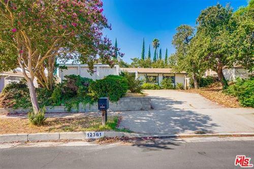Photo of 12361 Jolette Avenue, Granada Hills, CA 91344 (MLS # 20636148)