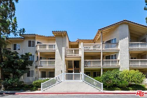 Photo of 5728 Oak Bend Lane #312, Oak Park, CA 91377 (MLS # 21764148)