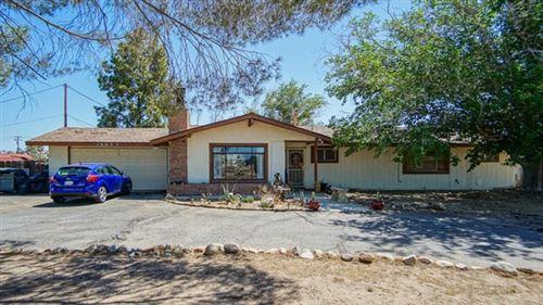 Photo of 13553 Lakota Road, Apple Valley, CA 92308 (MLS # 535149)