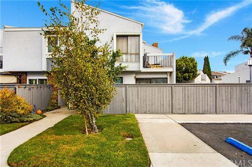 Photo of 625 Skyview Lane #49, Costa Mesa, CA 92626 (MLS # OC20202149)