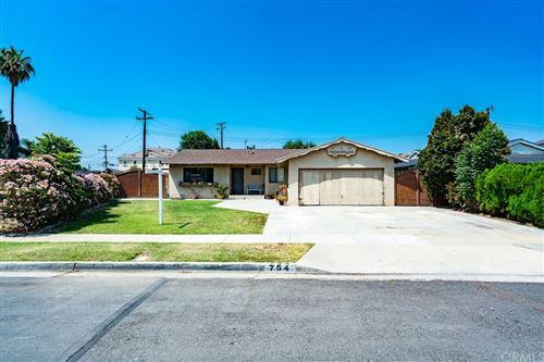 Photo of 754 W Rosslynn Avenue, Fullerton, CA 92832 (MLS # PW21109149)
