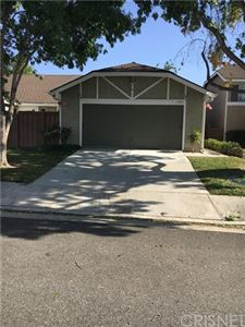 Photo of 16710 Shinedale Drive, Canyon Country, CA 91387 (MLS # SR19241149)