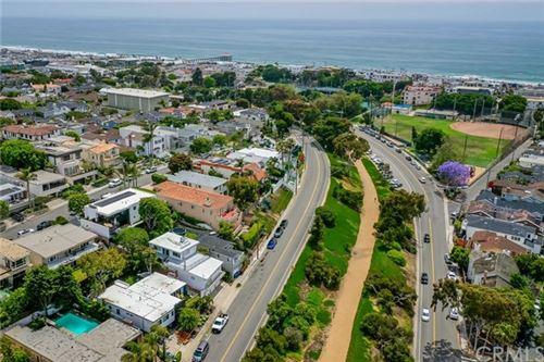 Photo of 1944 N Ardmore Avenue, Manhattan Beach, CA 90266 (MLS # SB20111150)
