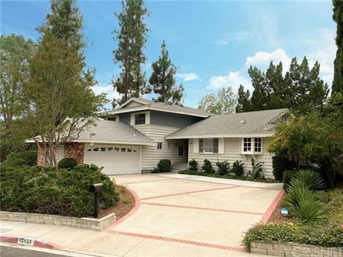 Photo of 12621 Mclennan Avenue, Granada Hills, CA 91344 (MLS # SR20190150)