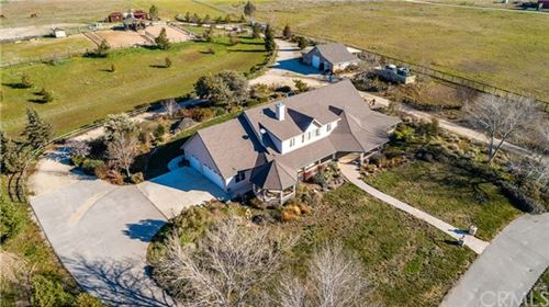 Photo of 7330 Feenstra Rd, Paso Robles, CA 93446 (MLS # NS20029151)
