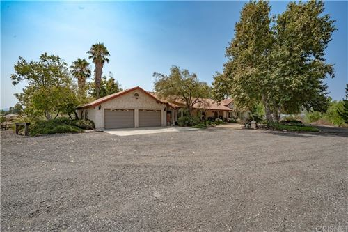 Photo of 33500 Agua Dulce Canyon Road, Agua Dulce, CA 91390 (MLS # SR21183151)