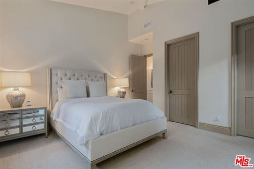 Tiny photo for 12094 SUMMIT Circle, Beverly Hills, CA 90210 (MLS # 20595152)