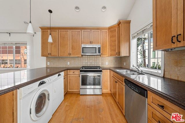 Photo of 456 Smithwood Drive, Beverly Hills, CA 90212 (MLS # 20666152)