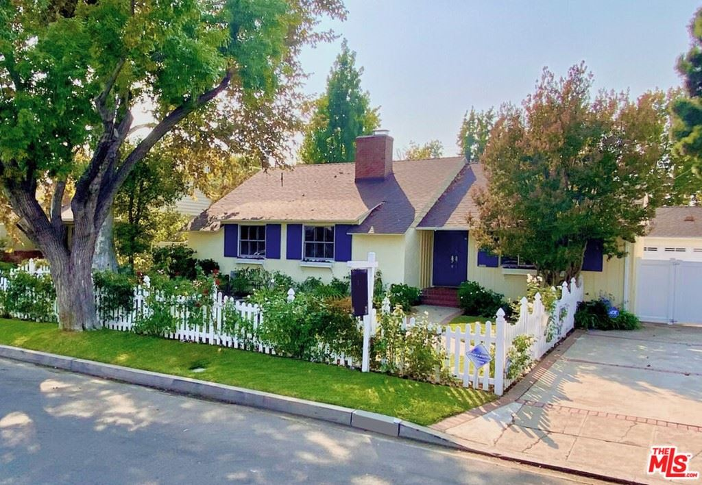 Photo of 4863 Matilija Avenue, Sherman Oaks, CA 91423 (MLS # 21785152)