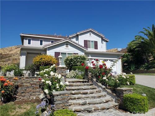Photo of 28411 Hawks Ridge Drive, Canyon Country, CA 91351 (MLS # SR20132153)