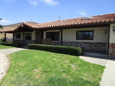 Photo of 1085 Old Stage Road, Salinas, CA 93908 (MLS # ML81799155)