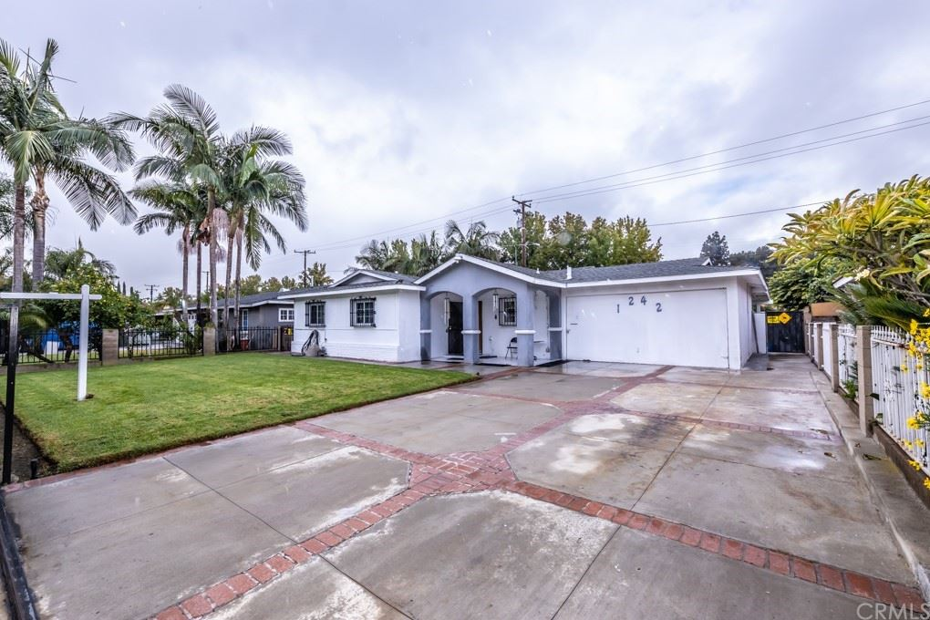 Photo of 1242 S Marine Street, Santa Ana, CA 92704 (MLS # PW21233155)
