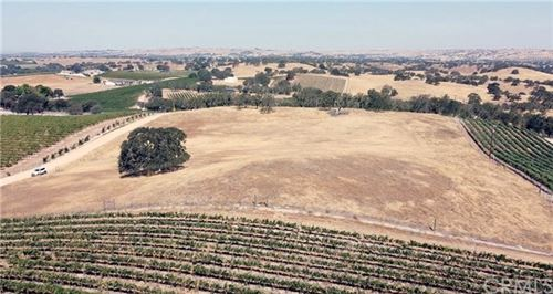 Photo of 0 Vista Del Paso Way, Paso Robles, CA 93446 (MLS # NS20198156)