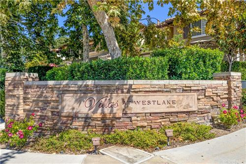 Photo of 327 Eric Place, Thousand Oaks, CA 91362 (MLS # SR21169157)