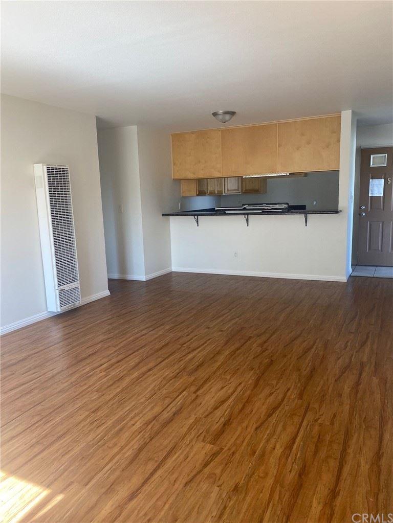 Photo of 453 Almond Avenue #5, Long Beach, CA 90802 (MLS # CV21159157)