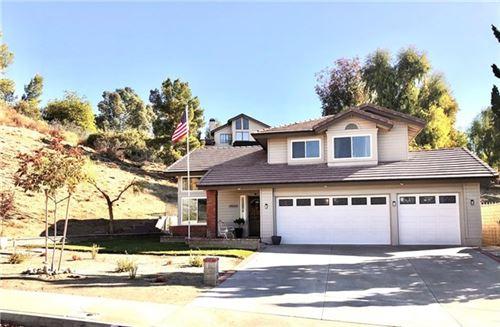 Photo of 28060 Parkridge Lane, Canyon Country, CA 91387 (MLS # SR20242158)