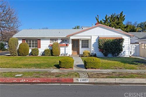 Photo of 23957 Mobile Street, West Hills, CA 91307 (MLS # SR21033159)