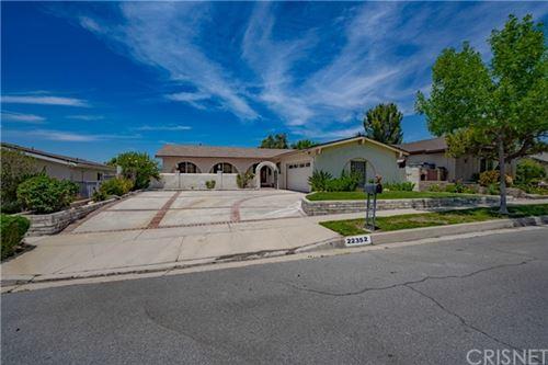 Photo of 22352 Barbacoa Drive, Saugus, CA 91350 (MLS # SR21130160)