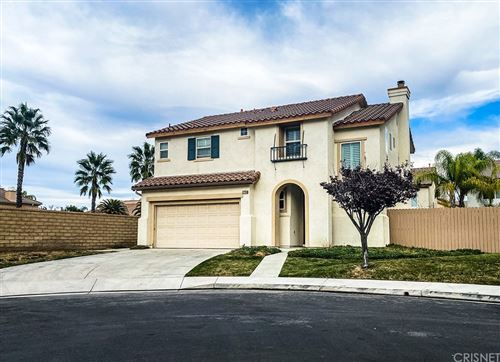 Photo of 27258 Cloverhurst Place, Canyon Country, CA 91387 (MLS # SR20244161)
