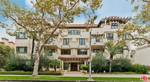 Photo of 140 S Oakhurst Drive #302, Beverly Hills, CA 90212 (MLS # 20633162)