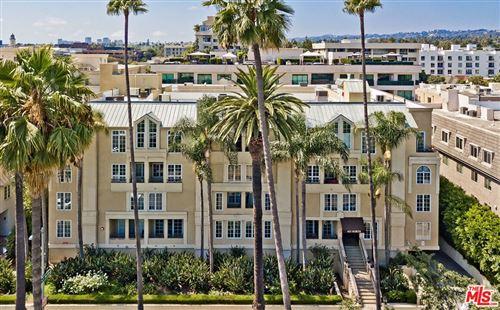 Photo of 433 N Doheny Drive #107, Beverly Hills, CA 90210 (MLS # 21799162)