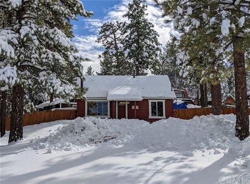 Photo of 319 Arroyo Drive, Big Bear, CA 92315 (MLS # CV21040162)