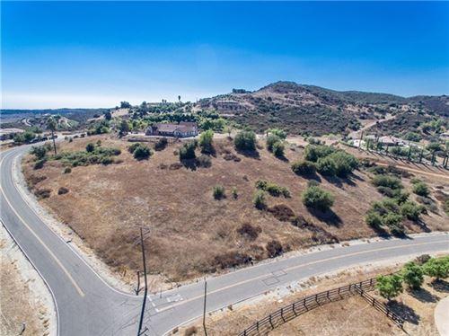 Photo of 35875 Valle Vista, Murrieta, CA 92562 (MLS # SW19233163)