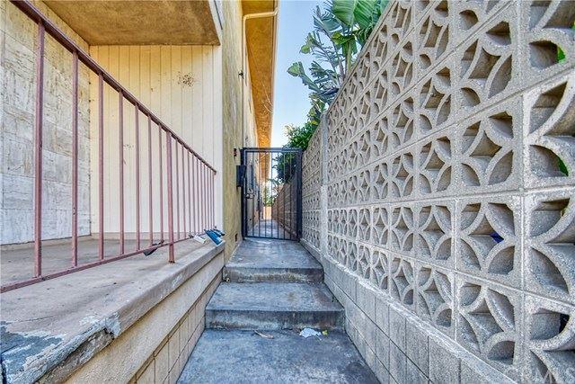 Photo of 428 W Queen Street #6, Inglewood, CA 90301 (MLS # PW20078163)