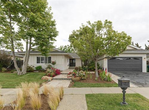 Photo of 984 Calle Contento, Thousand Oaks, CA 91360 (MLS # 221003164)