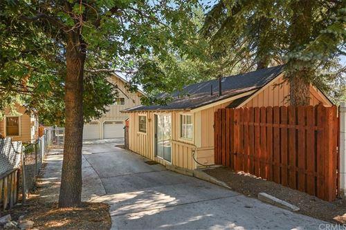 Photo of 993 Cameron Drive, Big Bear, CA 92315 (MLS # EV21151164)