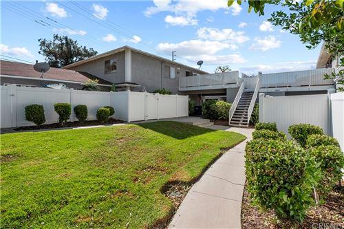 Photo of 28016 Robin Avenue, Saugus, CA 91350 (MLS # SR21229164)