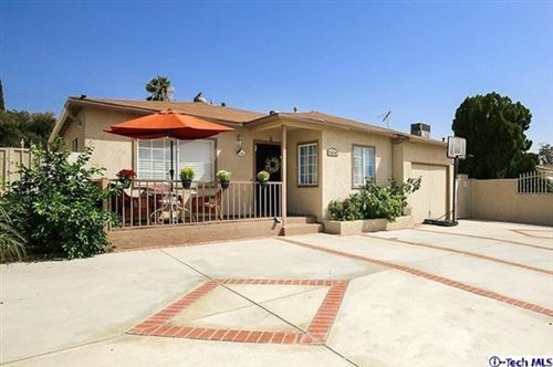 Photo of 7914 Agnes Avenue, North Hollywood, CA 91605 (MLS # 320000165)