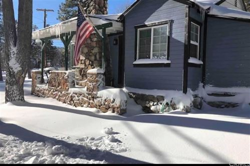 Photo of 568 Temple Lane, Big Bear, CA 92315 (MLS # SB20248165)
