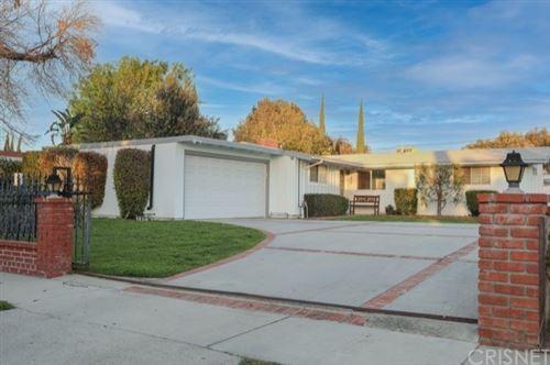 Photo of 7932 Sale Avenue, West Hills, CA 91304 (MLS # SR21034165)
