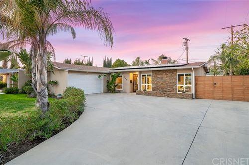 Photo of 22843 Wyandotte Street, West Hills, CA 91307 (MLS # SR21039165)