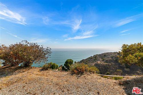 Photo of 20700 Rockpoint Way, Malibu, CA 90265 (MLS # 21783166)