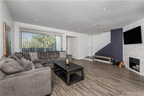 Photo of 18550 Hatteras Street #6, Tarzana, CA 91356 (MLS # SR20009167)