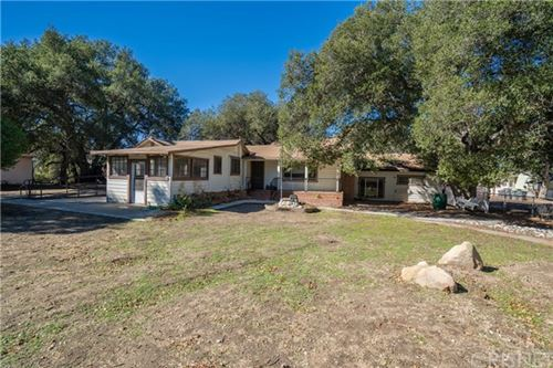 Photo of 24811 Meadview Avenue, Newhall, CA 91321 (MLS # SR21025167)
