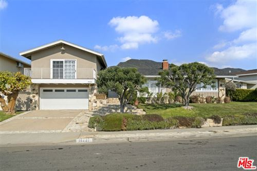 Photo of 18441 Kingsport Drive, Malibu, CA 90265 (MLS # 21792168)