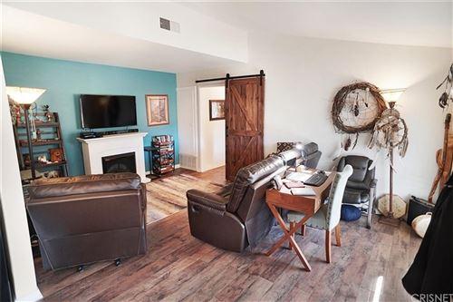 Tiny photo for 26747 Oak Crossing Road #B, Newhall, CA 91321 (MLS # SR21034168)