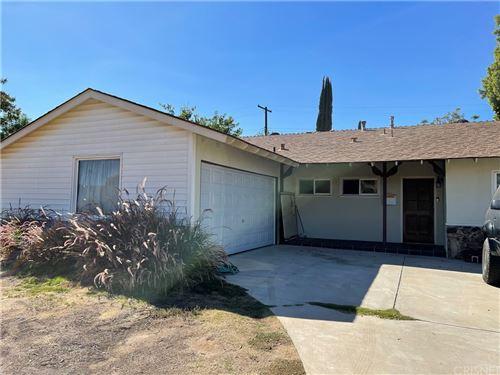 Photo of 6607 Farralone Avenue, Woodland Hills, CA 91303 (MLS # SR21229170)