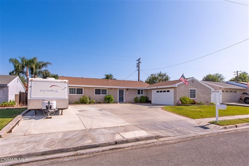 Photo of 1625 Wallace Street, Simi Valley, CA 93065 (MLS # 221004171)