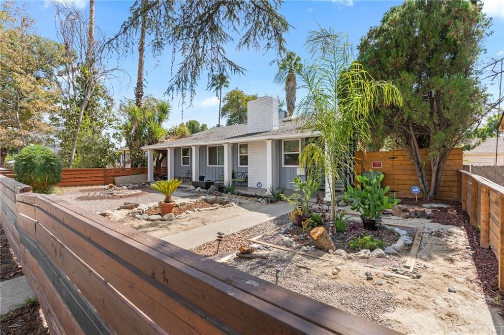 Photo of 17110 Sherman Way, Lake Balboa, CA 91406 (MLS # SR21224171)