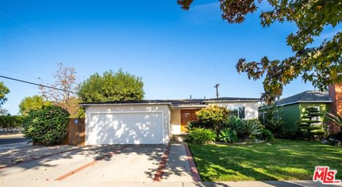 Photo of 2700 COOLIDGE Avenue, Los Angeles, CA 90064 (MLS # 19528172)