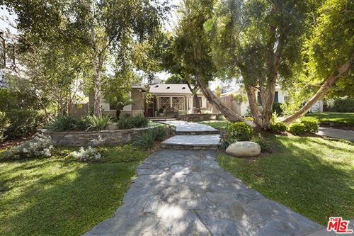 Photo of 14332 Roblar Place, Sherman Oaks, CA 91423 (MLS # 21791172)
