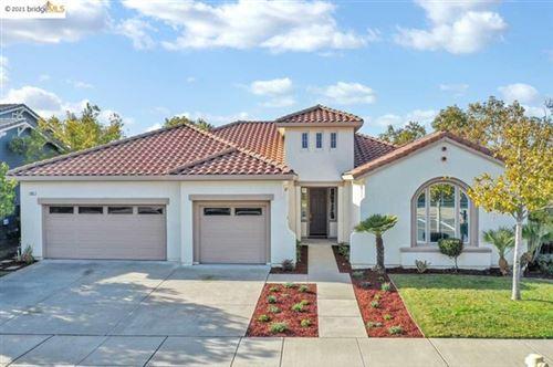 Photo of 475 Sunbury Ct, Brentwood, CA 94513 (MLS # 40934172)