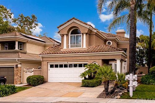 Photo of 8 Saint Annes, Rancho Santa Margarita, CA 92679 (MLS # OC21104172)