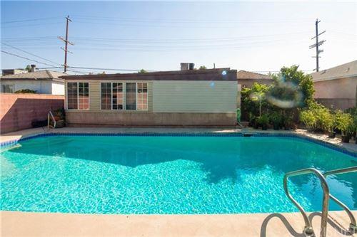 Photo of 17921 Vanowen Street, Reseda, CA 91335 (MLS # SR20204172)