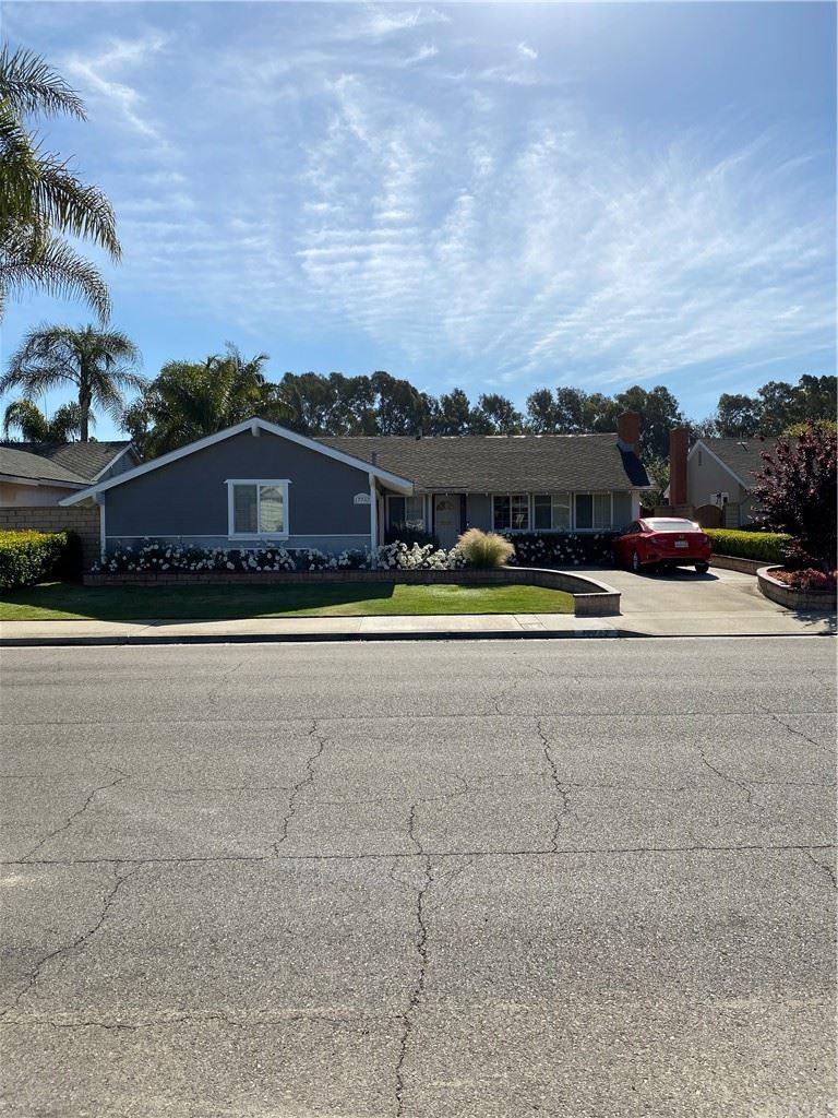 Photo of 17762 Quintana Lane, Huntington Beach, CA 92647 (MLS # OC21098172)